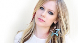 Avril Lavigne in Star Earring