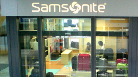 HK Central Des Voeux Road C Samsonite Shop Man Yee Building