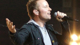 Chris Tomlin Sings at Concert