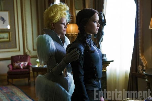 Entertainment Weekly releases new images of Katniss Everdeen (Jennifer Lawrence) and Effie Trinket (Elizabeth Banks) for 'The Hunger Games: Mockingjay- Part 2'