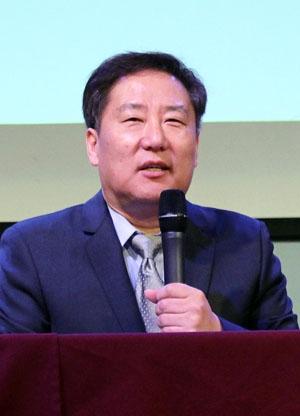 Dong Whan Kim KCCC