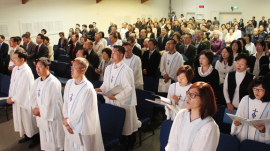 East side joint Easter service