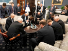 Mike Pence prays during a meeting with the US Coronavirus Taskforce. Source:
