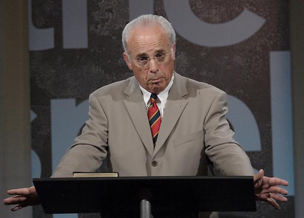 California church pastor, Pastor John MacArthur insists on defying lockdown mandate