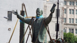 Billy Graham statue closer to replacing segregationist NC gov. in US Capitol