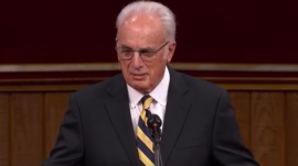 John MacArthur's In-door Sunday Service