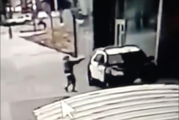Gunman fires gunshots at 2 LA County Sheriffs in Compton