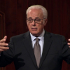 John MacArthur holds indoor services without the fear of outcome