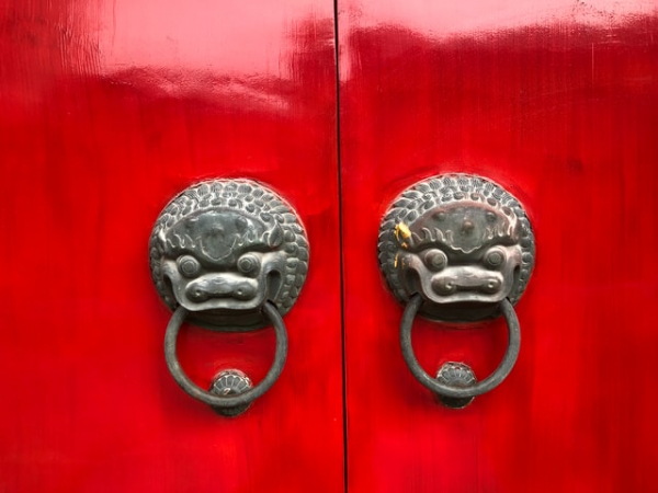 Gray metal door knobs in China