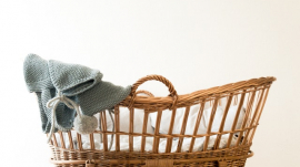 Baby's rocker/crib