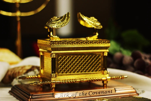 A small replica of the Ark of the Covenant