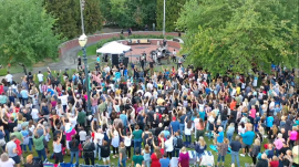 Sean Feucht leading worship in Portland following the Antifa attack