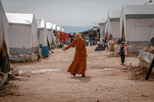 woman in refugee camp