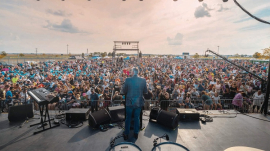 Franklin Graham's God Loves You tour along historic Route 66